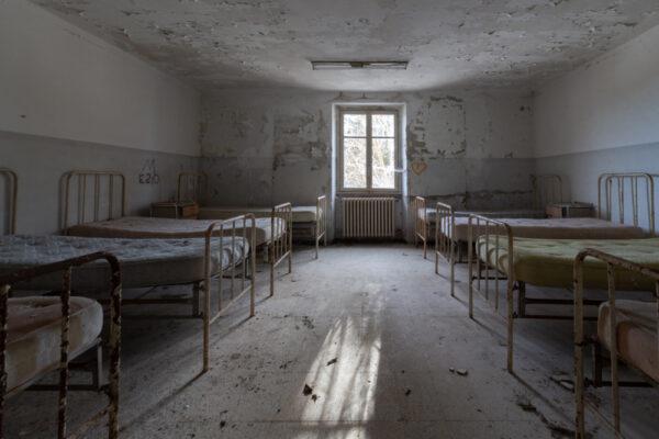 red cross dormitorio